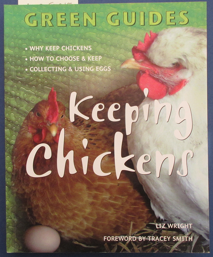 Image for Keeping Chickens (Green Guides)